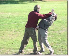Knife Fighting Throws During a Fight